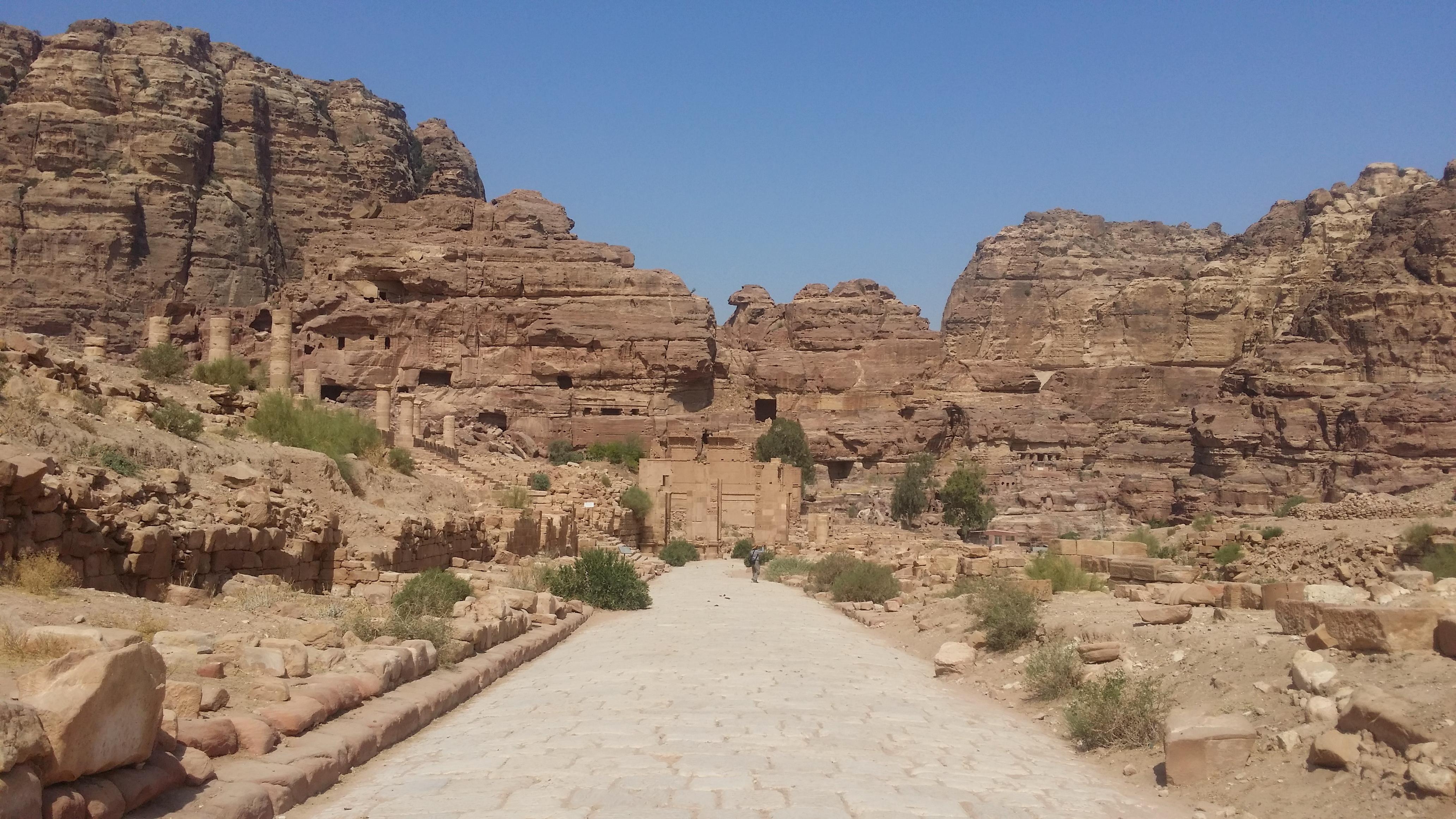 沙漠岩石简笔画