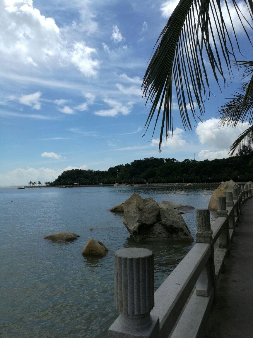 珠海渔女是珠海标志性景点,风景优美,接近海边,白色的阳光