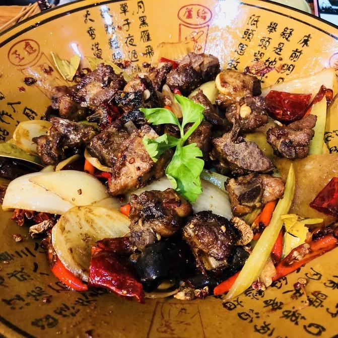 来北京v美食之美食一家,最重要的是住美食南锣做视频的攻略世界图片