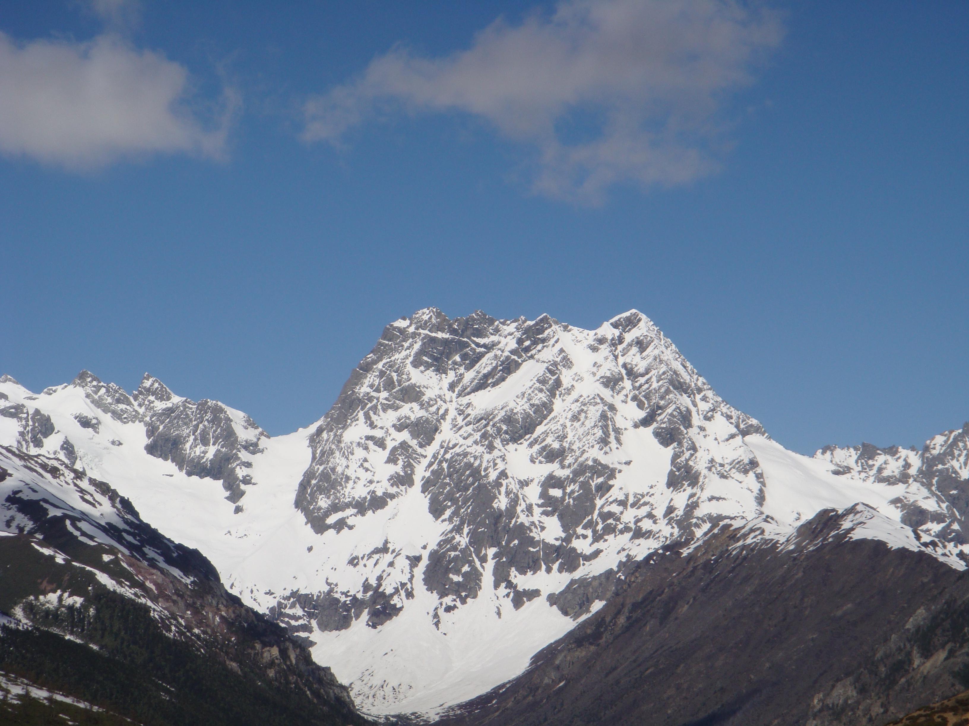 【携程攻略】德钦白马雪山景点,在云南真的是一日见四