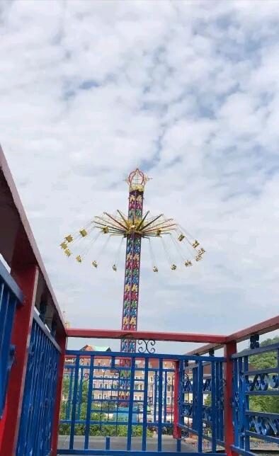 杭州乐园最刺激的还是过山车,大摆锤和雷神之锤,追求刺激的小伙伴