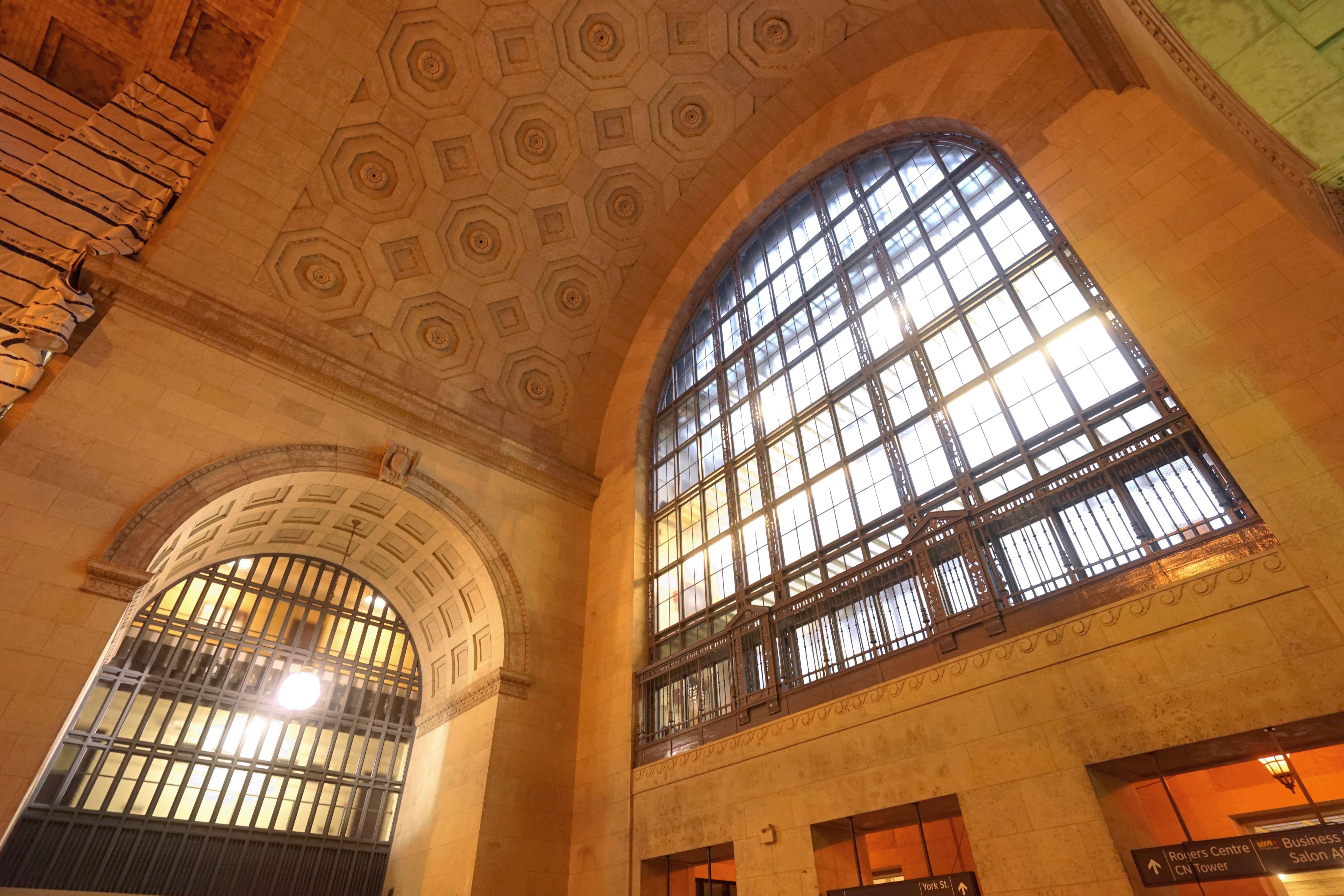 特别推荐坐地铁,因为可以看到多伦多最著名火车站漂亮的建筑.图片