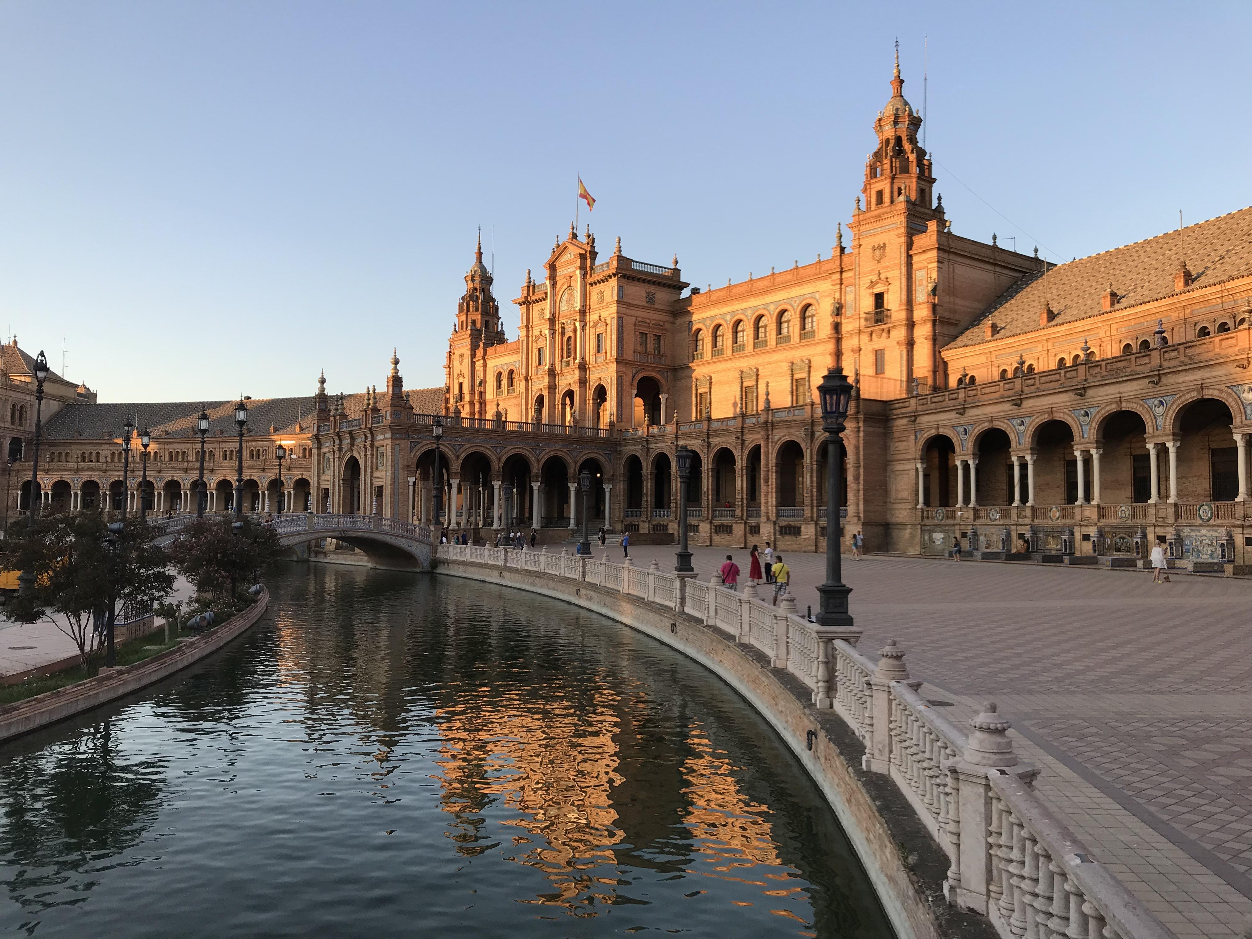 西班牙投资移民的费用怎样    移民中介提供收费标准