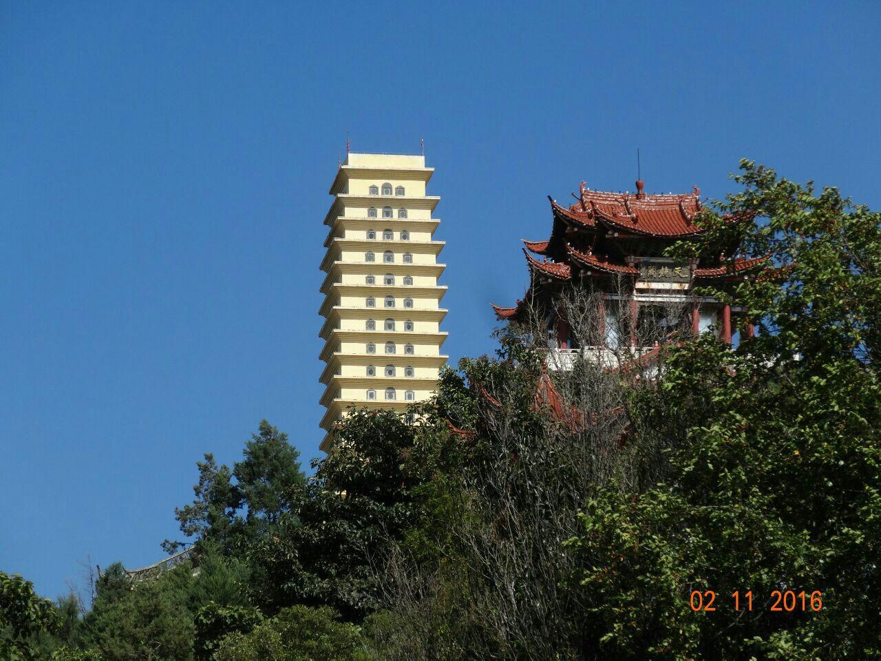 罗荃半岛是远观银苍玉洱,崇圣三塔,大理古城的绝佳点.