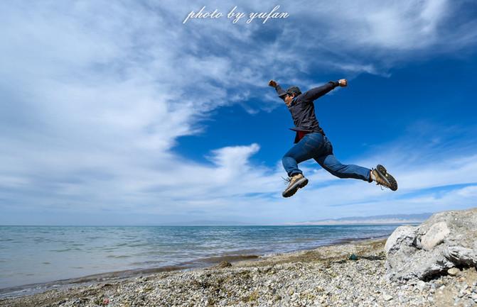 有没有一种奔向大海的感觉,其实只是轻轻的往上一跳而已