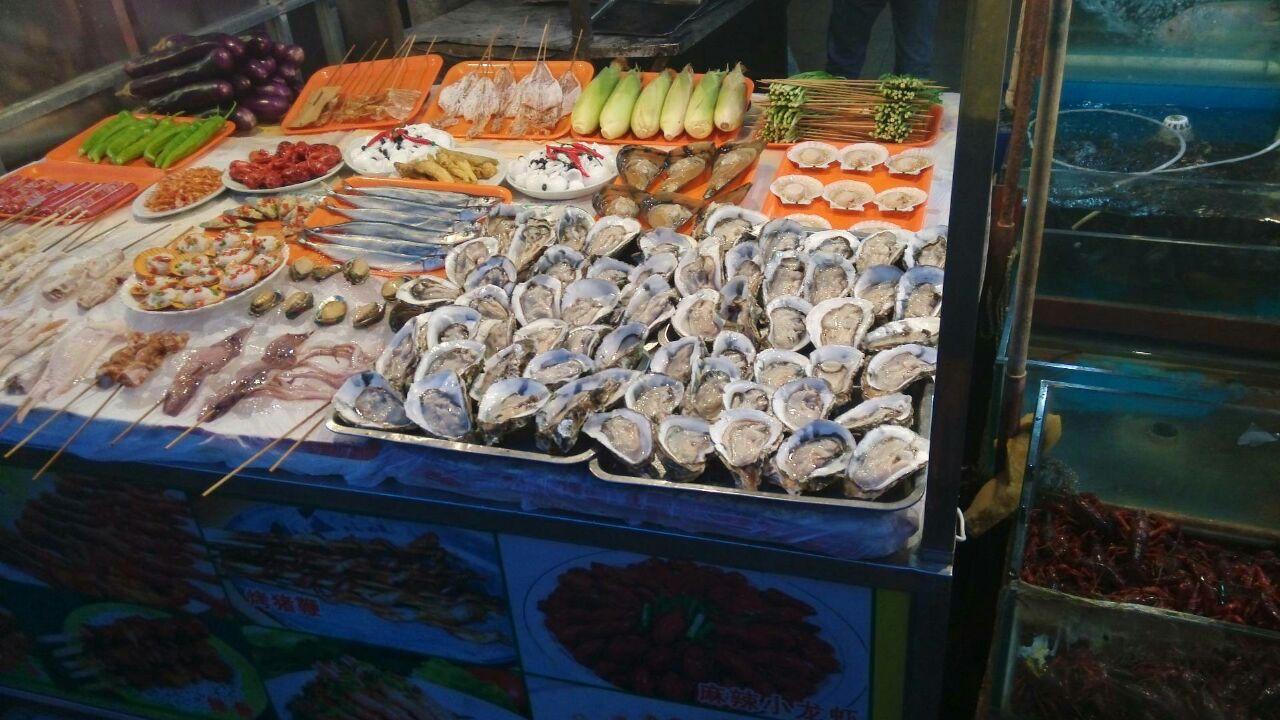 【携程攻略】桂林中山中路夜市购物,生蚝吃到饱!海鲜!图片