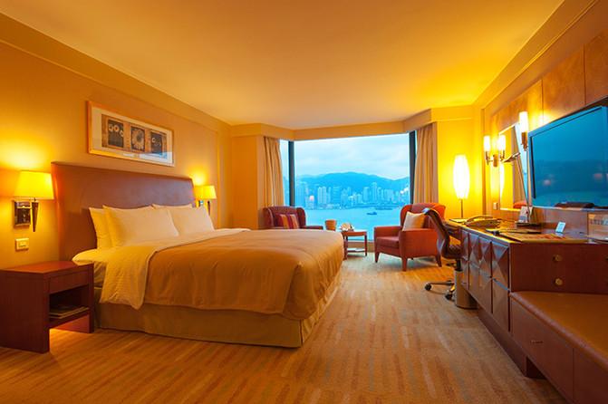 每间客房布置的都很温馨,海景房还可以在房间内饱览美不胜收的维港