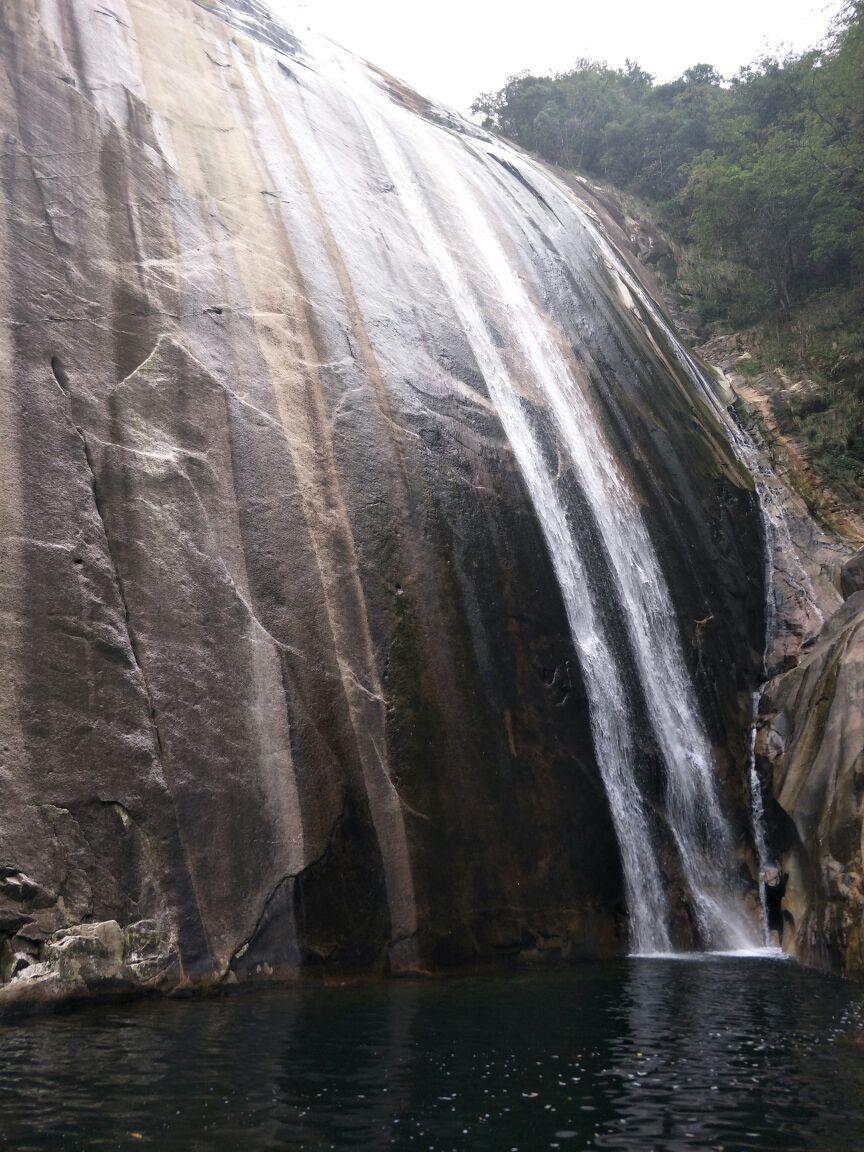 壁纸 风景 旅游 瀑布 山水 桌面 864_1152 竖版 竖屏 手机