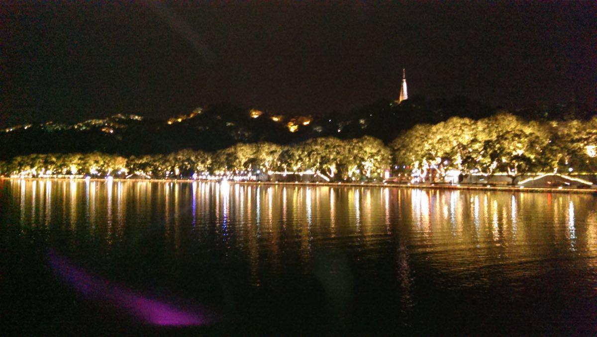 西湖夜景效果图