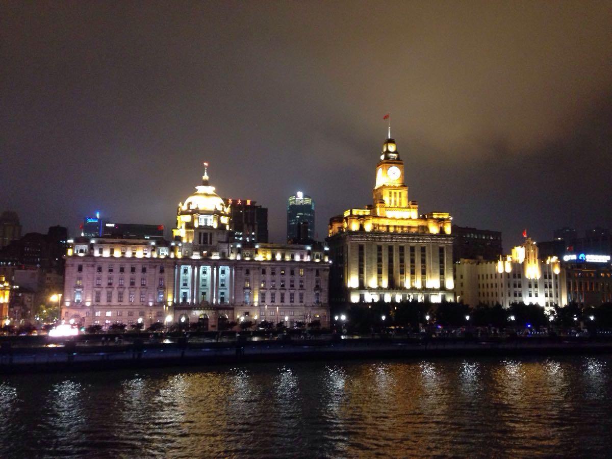 【携程攻略】上海外滩景点,滔滔黄浦江 浦东的新厦如