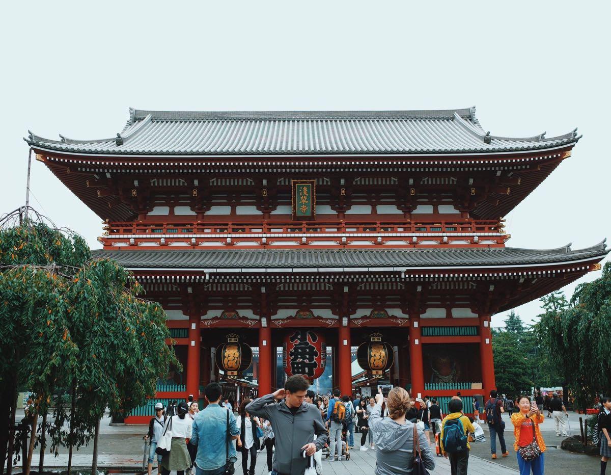 五重塔反映了中国唐朝时的木结构宗教建筑的模式.在浅草寺抽了个签.