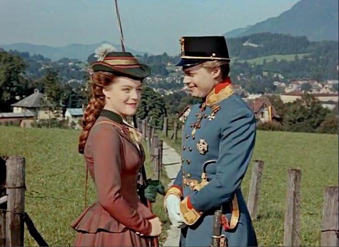 【奥地利】巴特伊施尔:茜茜地方公主开始的爱情房价红叶别墅颛桥图片