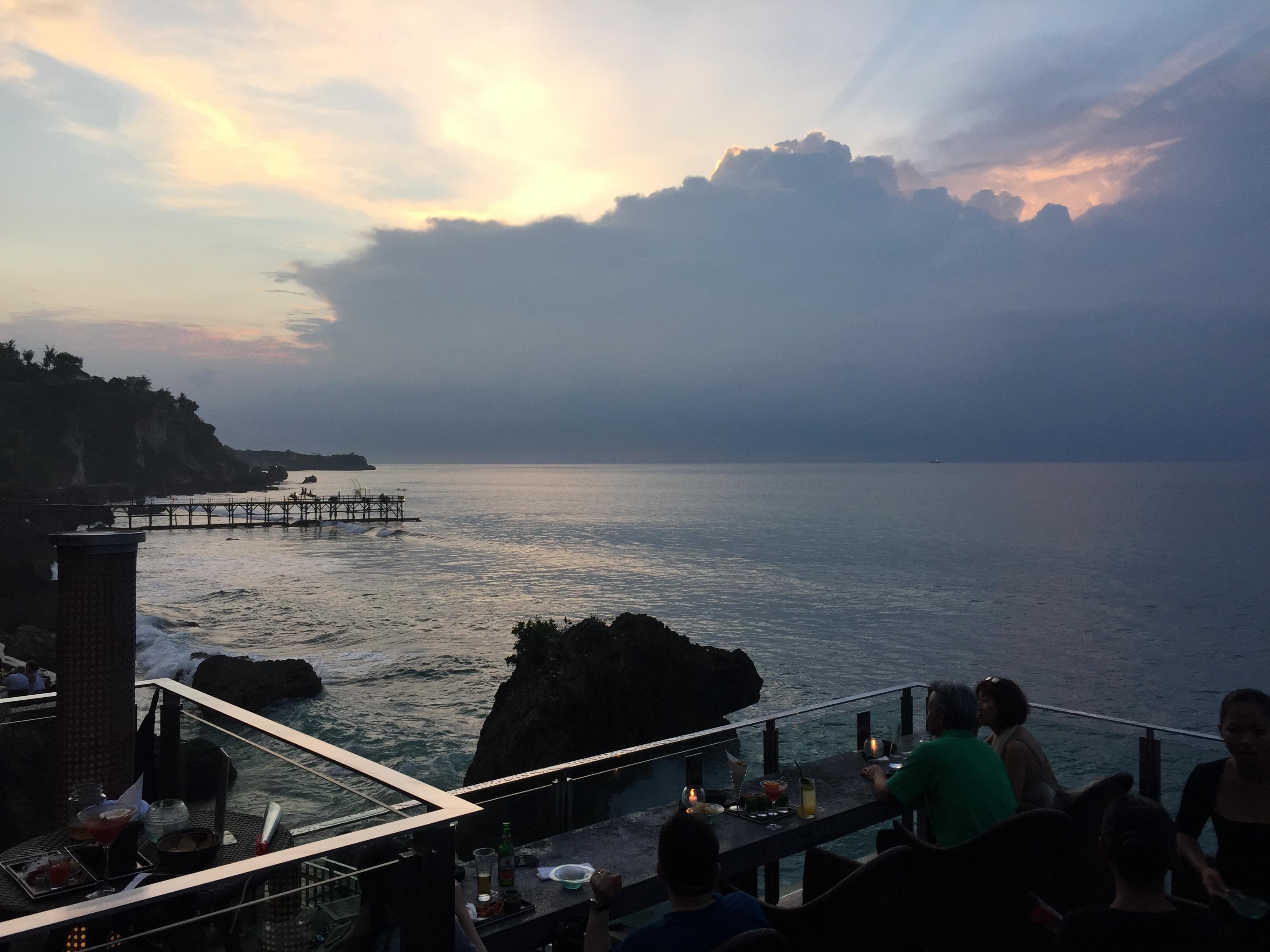巴厘岛 ayana酒店海洋水池/spa rock bar岩石酒吧鸡尾酒(含优先进入