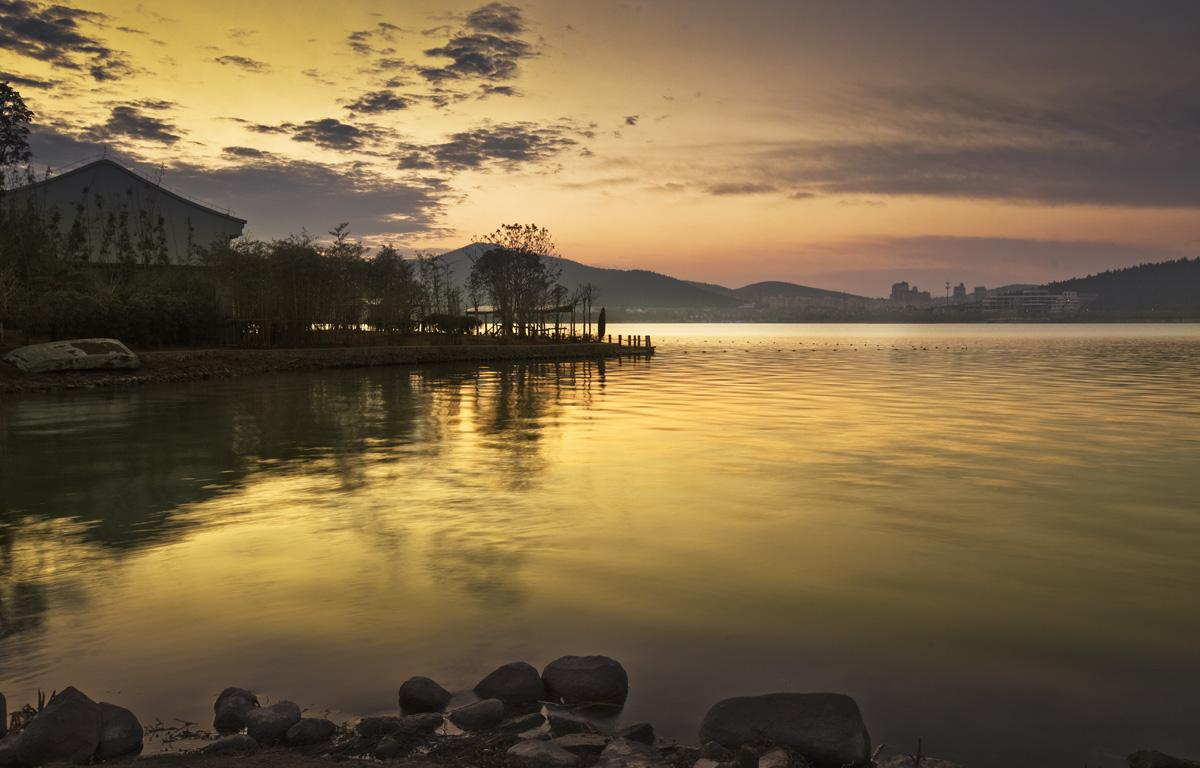 徐州最出名的景点之一,云龙山云龙湖是去徐州必去的景点,免费的开放