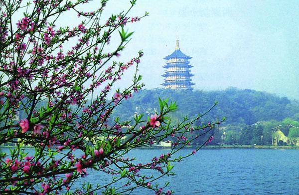 【攜程攻略】杭州西湖景點,我感覺秋天去比較好,夏天