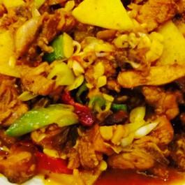 乌鲁木齐洪七公吃串串清真(哈密路店)附近美林大超市美食图片