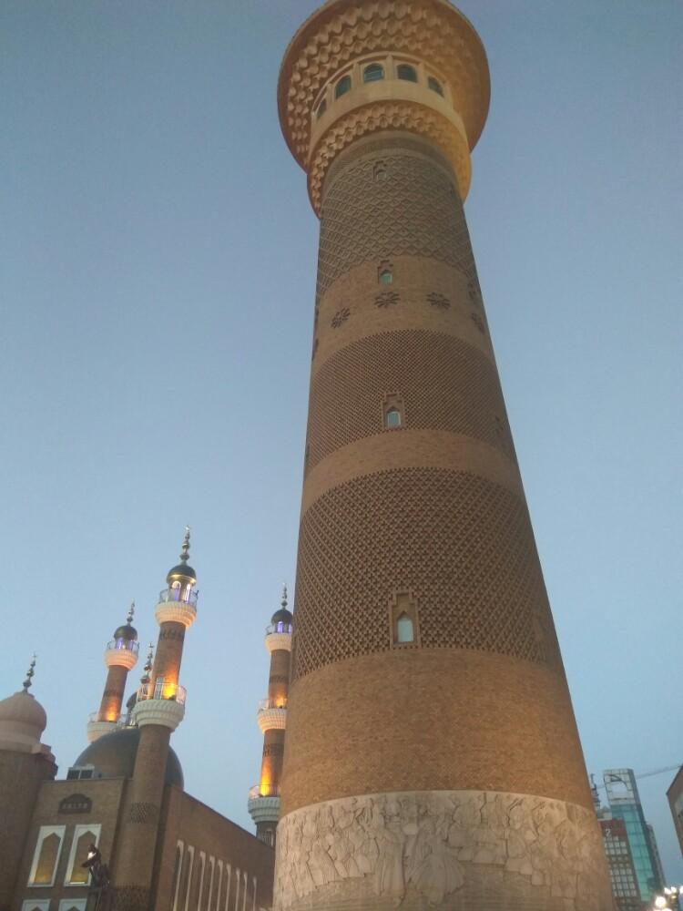 【携程攻略】新疆新疆国际大巴扎景点,新疆特色建筑灯