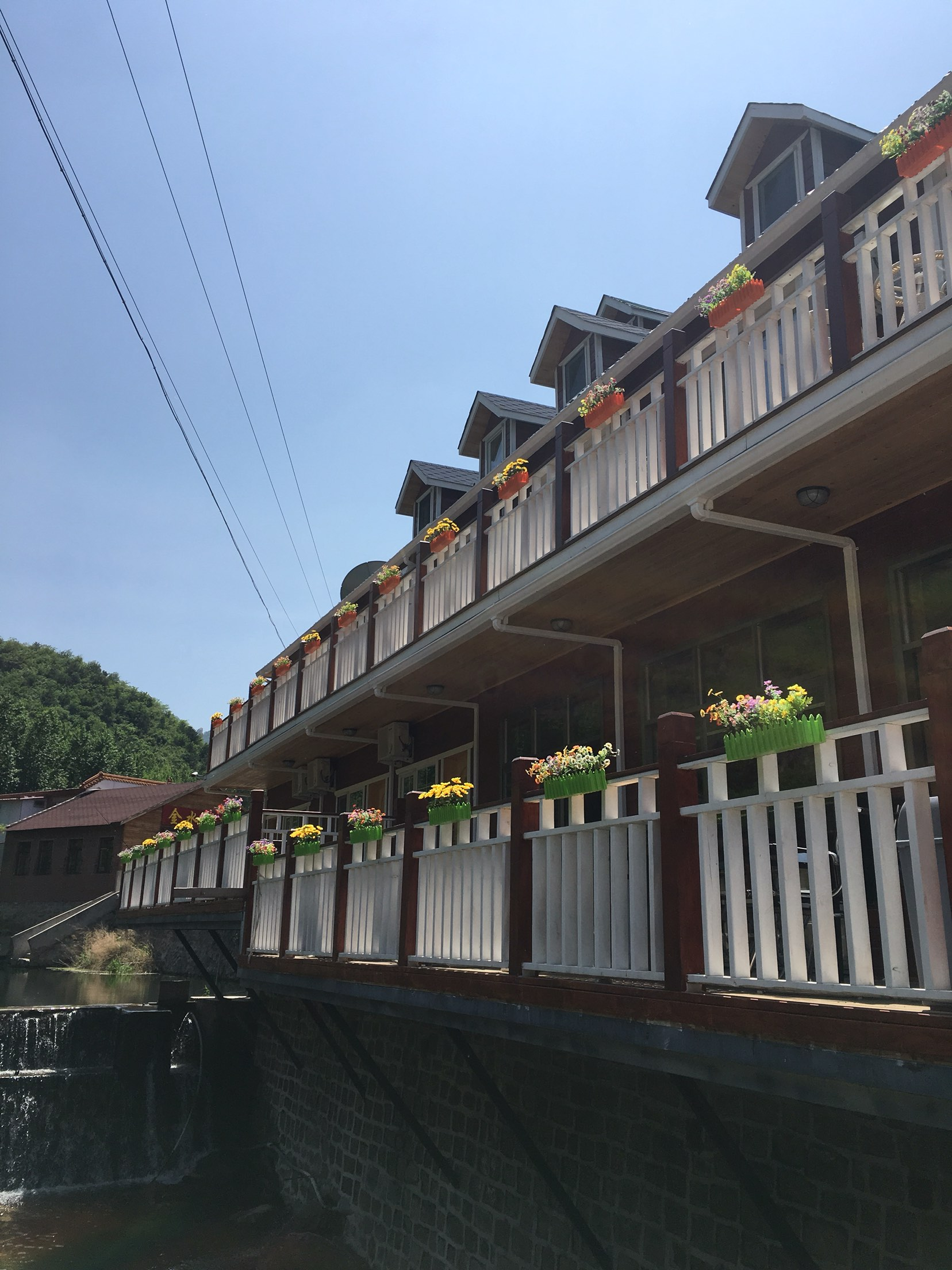 北京雾灵山纳溪部落木屋度假酒店