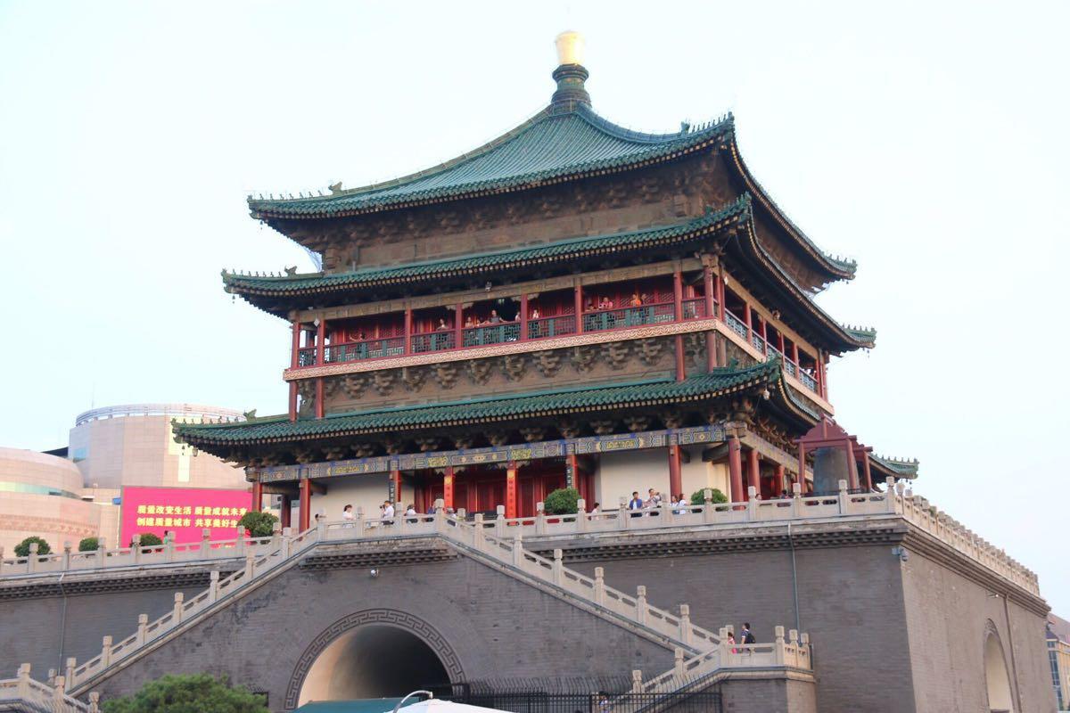 西安钟楼附近的餐厅