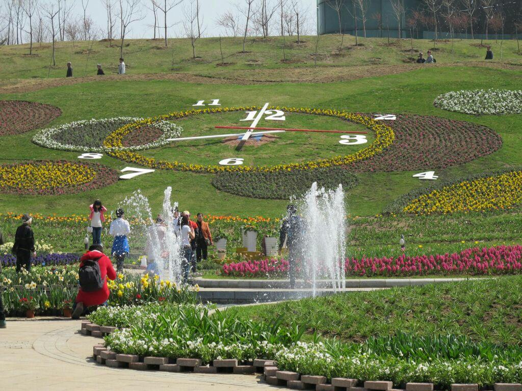 沈阳世博园位于沈阳东郊,临近清福陵与棋盘山风景区,曾是沈阳植物园