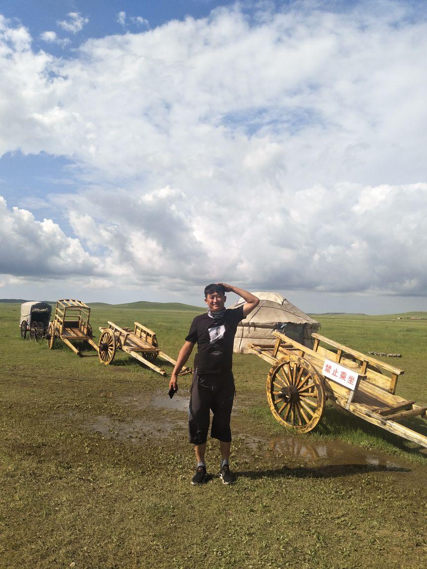 乌拉盖草原