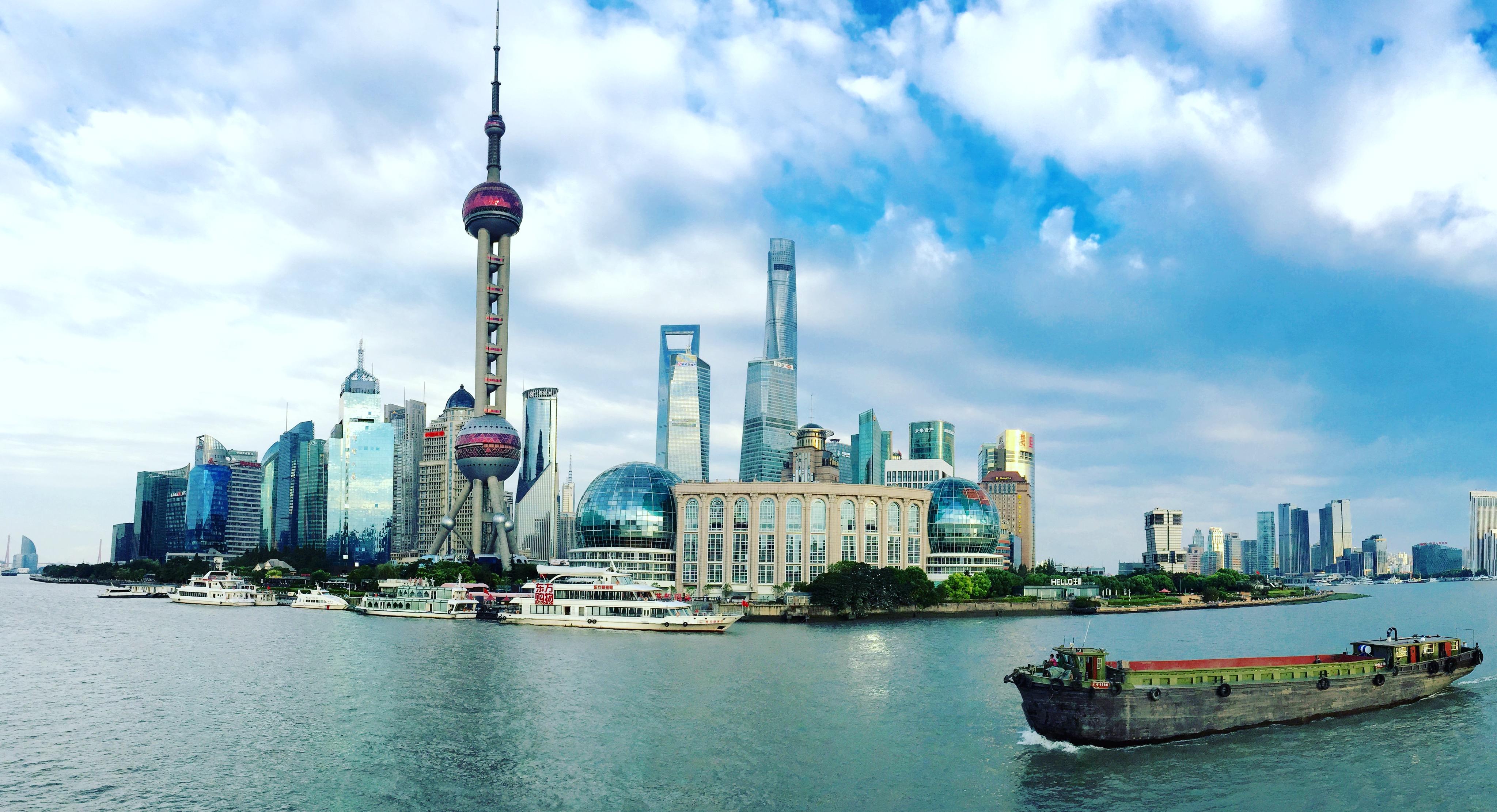 【携程攻略】上海东方明珠景点,搭游轮游黄浦江是最能