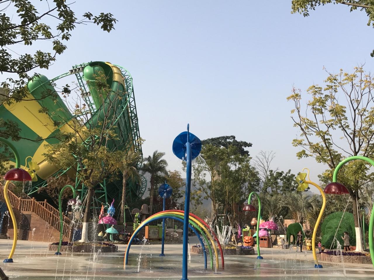 镇上开个小型游乐园可以不:在小镇上开一个儿童乐园行吗?有实图吗?