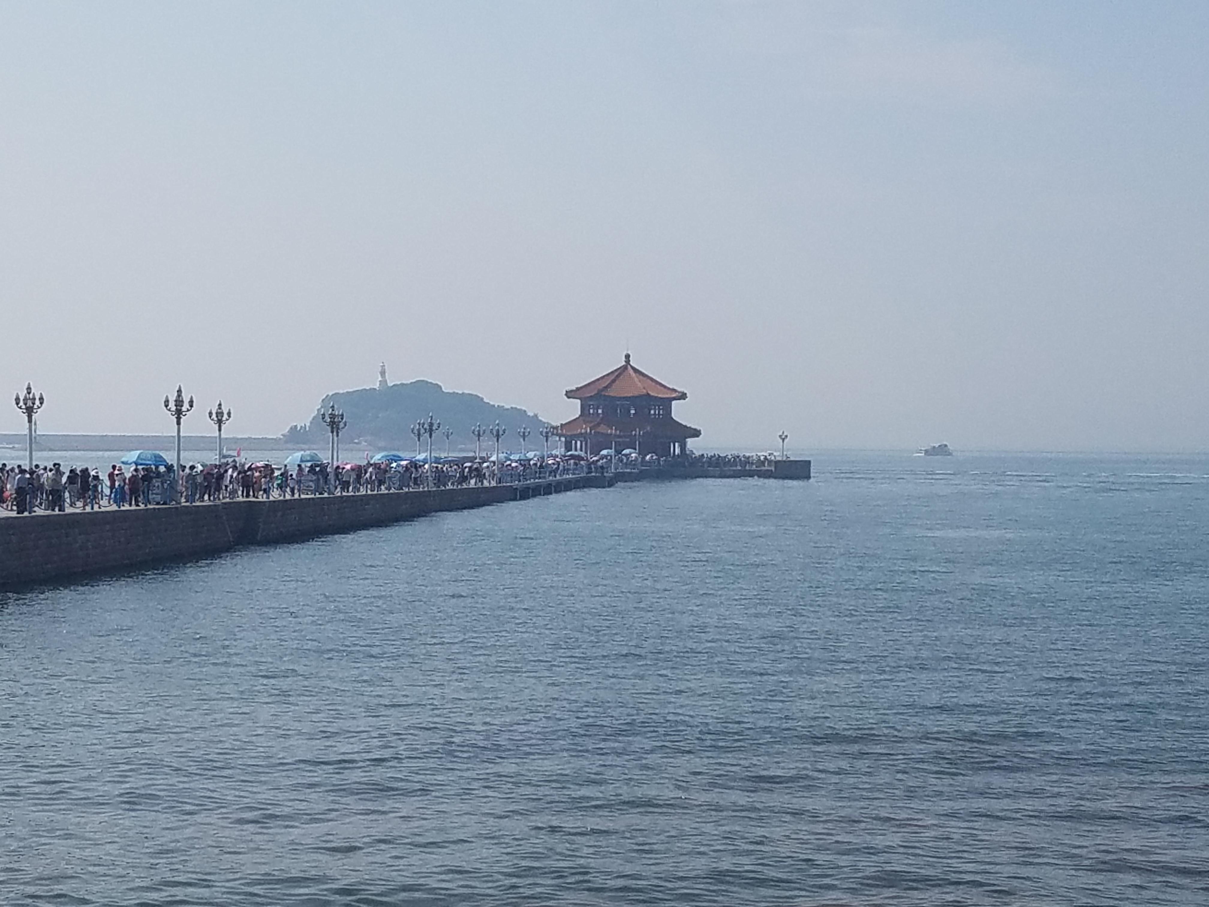 【携程攻略】山东青岛栈桥好玩吗,山东栈桥景点怎么样