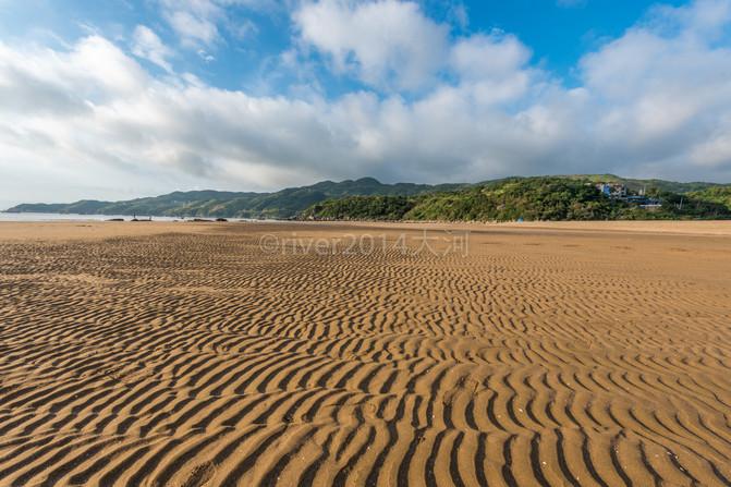 距离县城60多公里的渔寮大沙滩,是苍南最大的沙滩,也是中国东南沿海