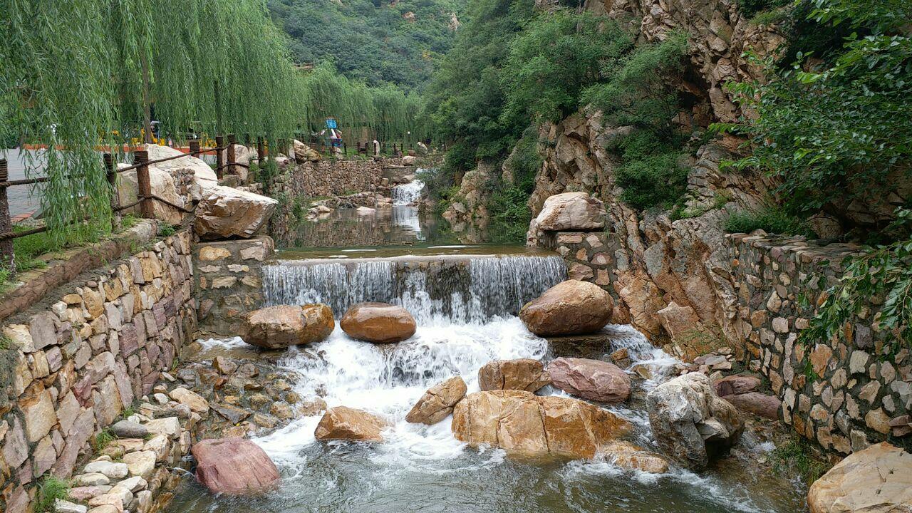 """梨木台自然风景区地处天津最北端,被称为""""天津北极""""."""