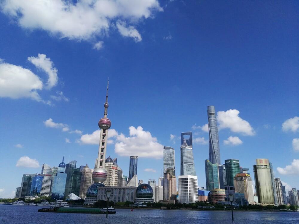 在100层的上海之眼上解读四周,大半个上海尽收眼底,清晨,白天,黄昏标准俯视课程新初中品德思想图片