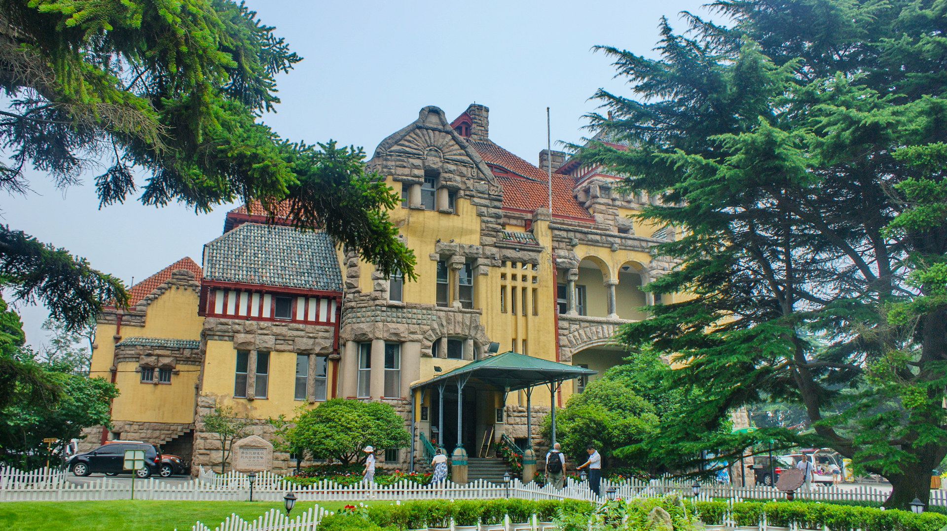 古堡别墅庭院设计