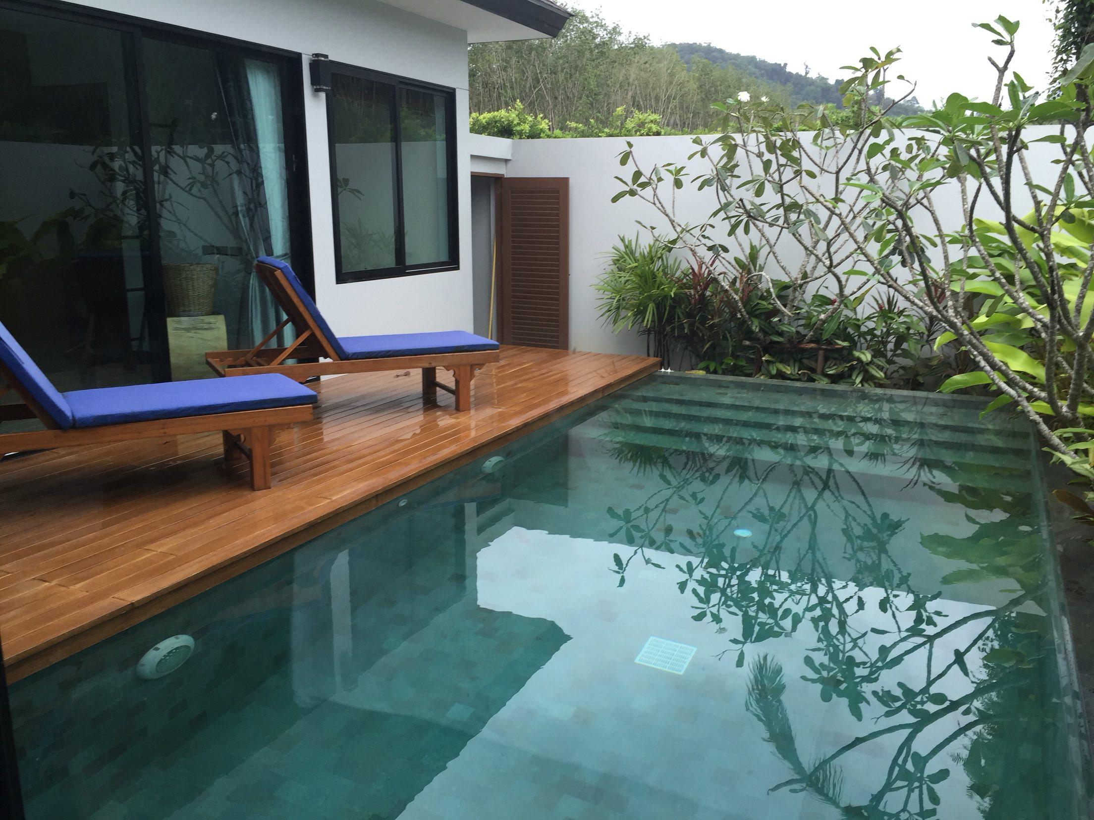 普吉岛拉维泳池别墅