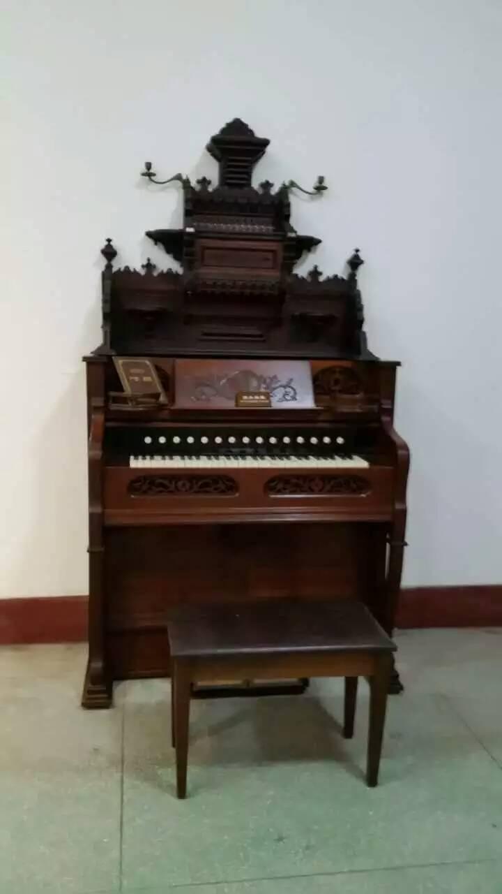 世界一流的钢琴博物馆,里面最特别的是30台欧洲和美洲的古钢琴.图片