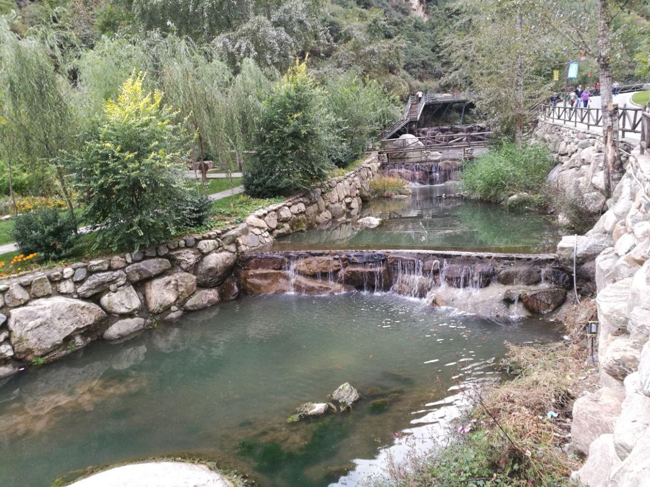 漫山花溪谷旅游景点攻略图