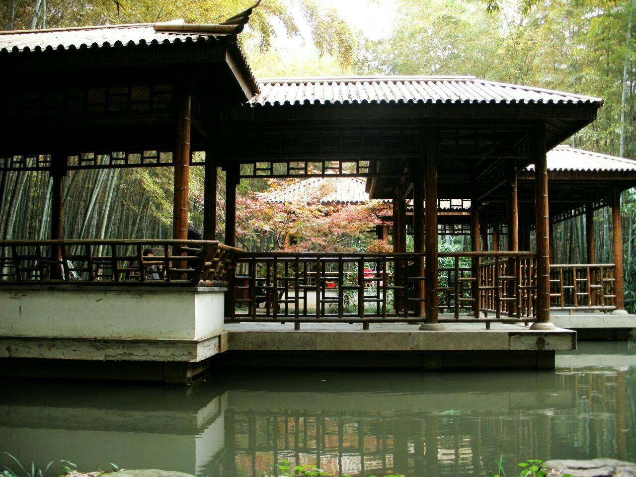 虎丘是苏州旅游必去的目的地,也是苏州园林的代表,是苏州最大的园林