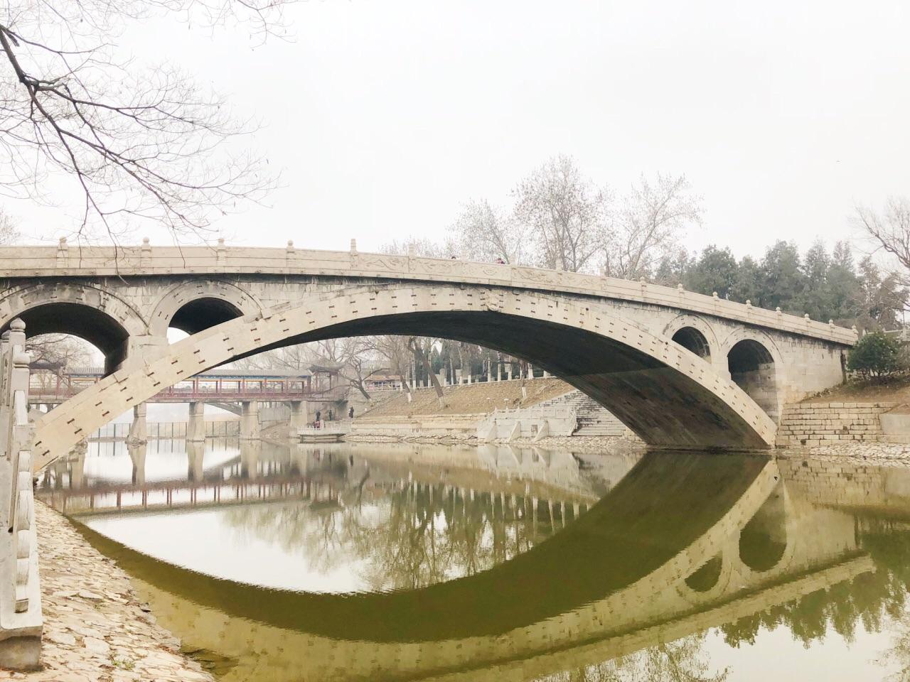 小河桥梁简笔画