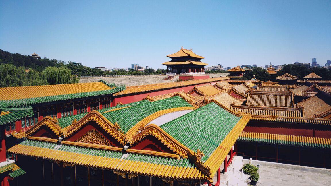 故宫为中国明,清两代的皇宫,依照中国古代星象学说,紫微垣(北极星)