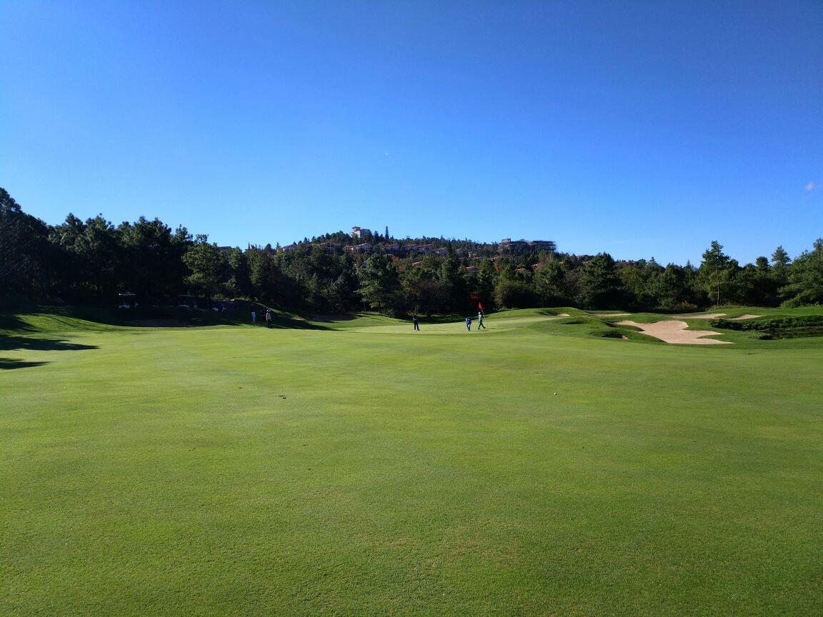 春城湖畔高尔夫俱乐部