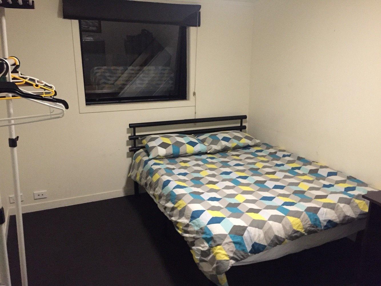 背景墙 房间 家居 设计 卧室 卧室装修 现代 装修 1334_1000