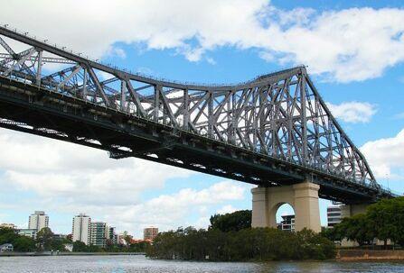 故事桥没有什么故事,只是桥的设计师的名字叫故事,哈哈!