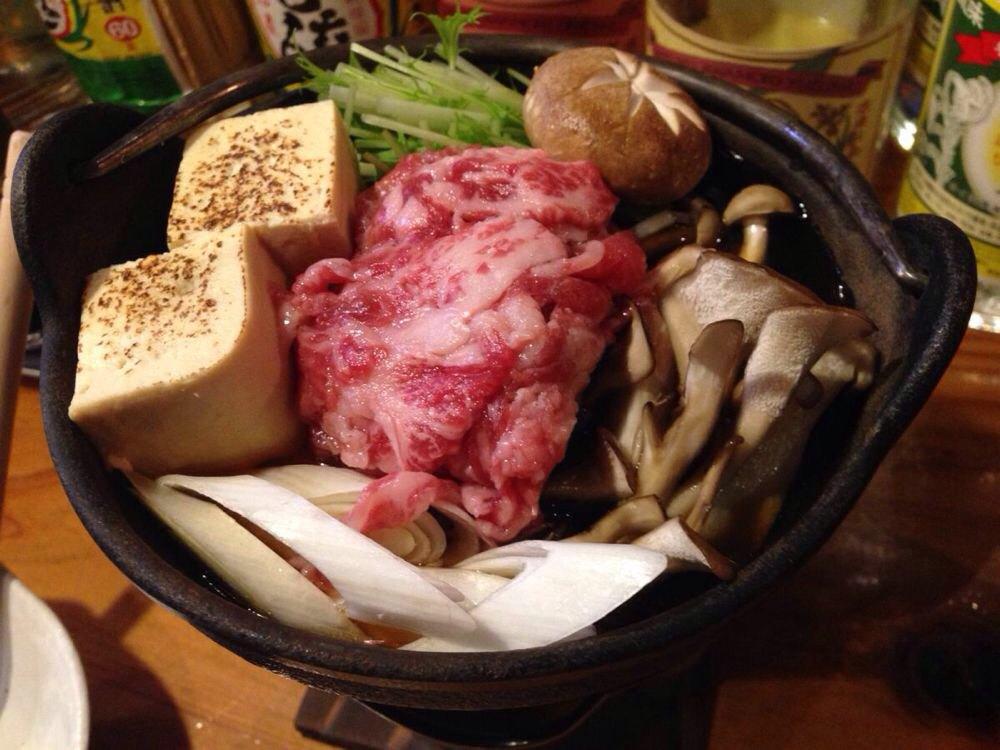 当地的牛肉火锅