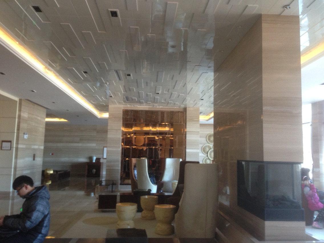 三百平米饭店装修效果