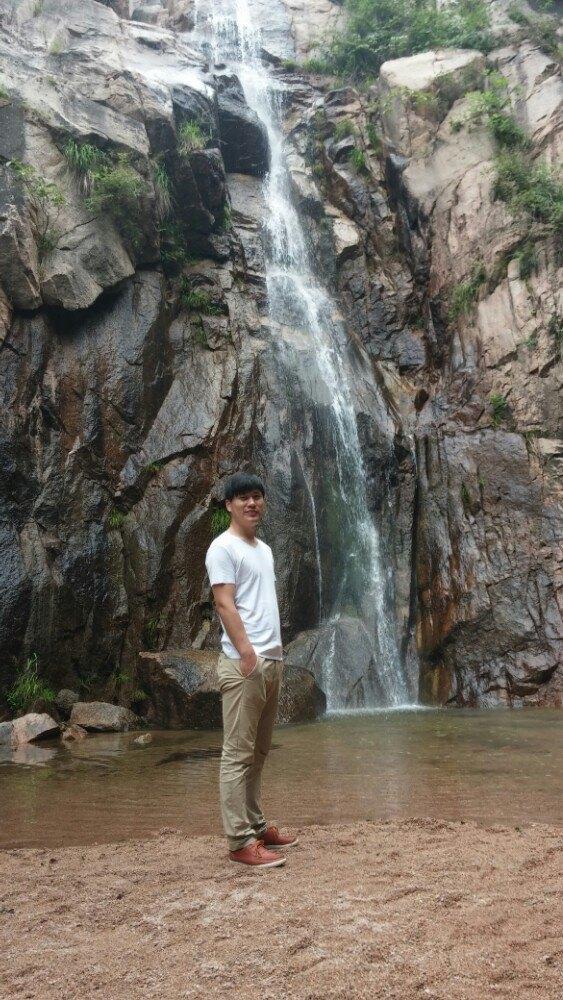 壁纸 风景 旅游 瀑布 山水 桌面 563_1000 竖版 竖屏 手机