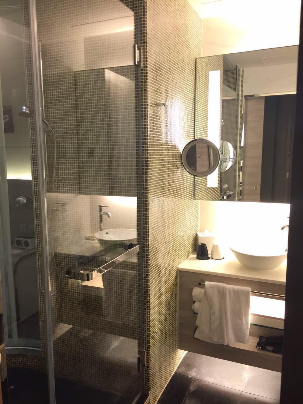 厕所 家居 设计 卫生间 卫生间装修 装修 1000_1334 竖版 竖屏图片