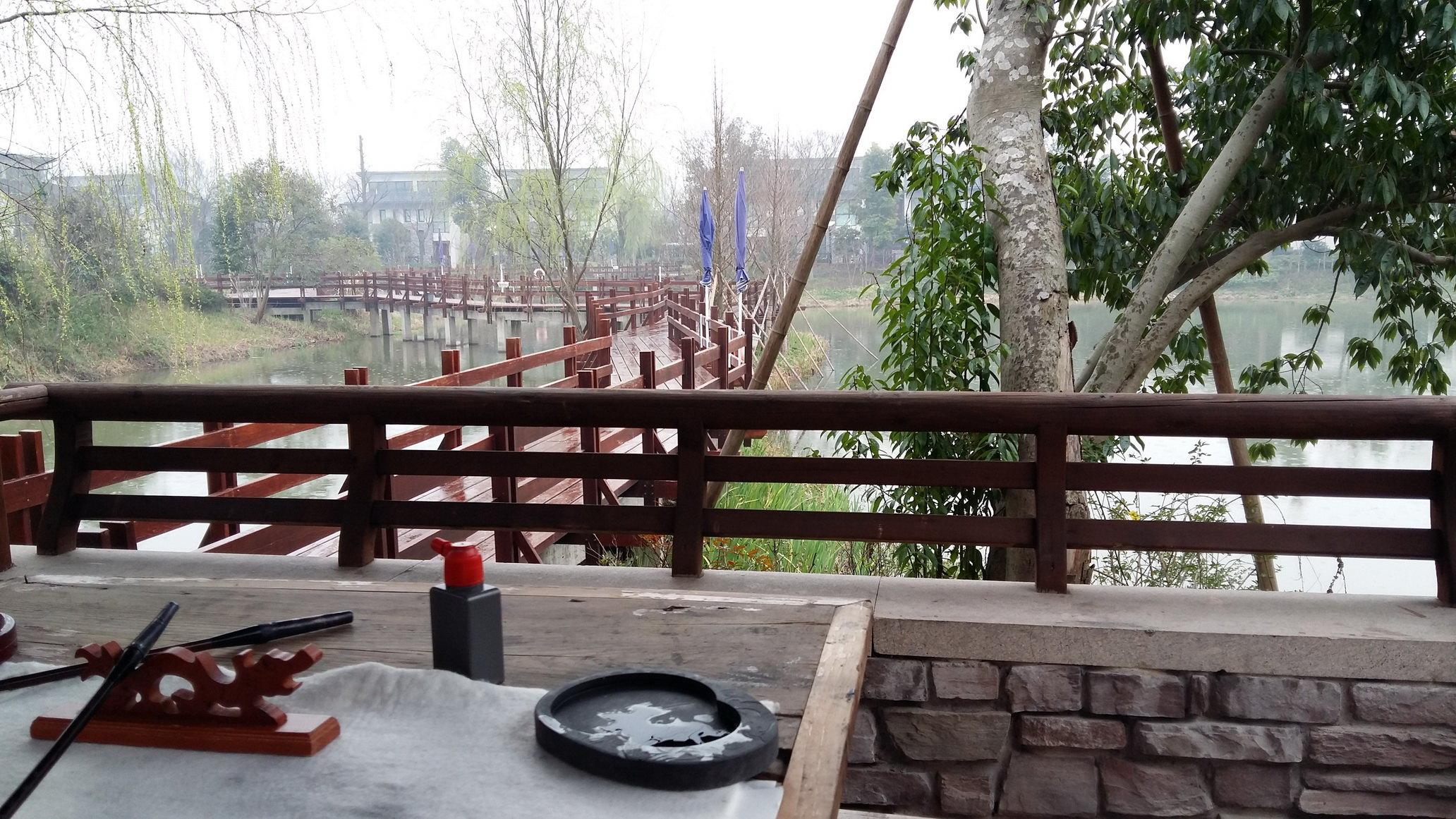 友情提醒:到了杭州汽车西站,请到路对面打车奔西溪宾馆,请无视相当一
