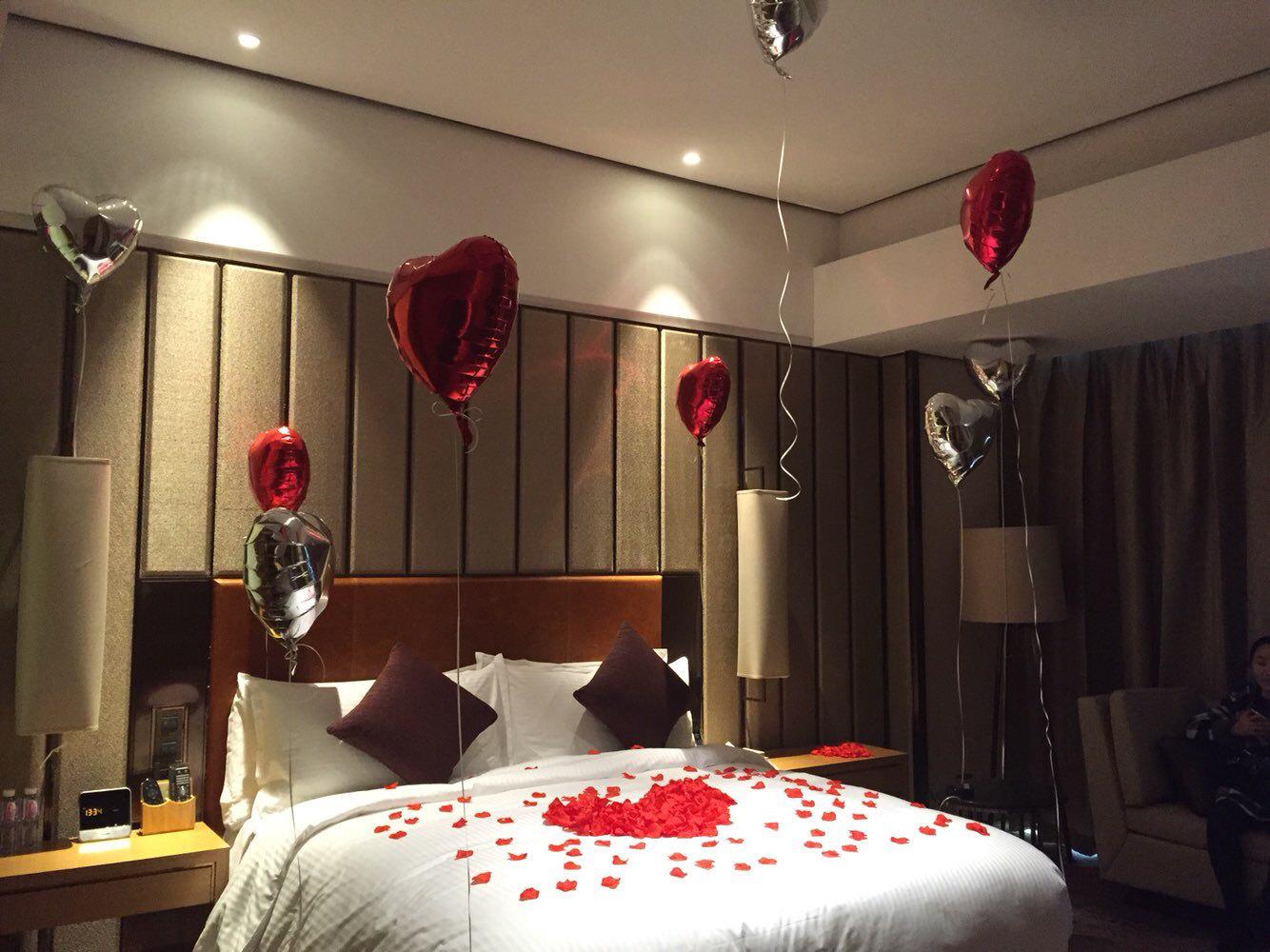 酒店生日房间怎么布置_情人节房间布置大全_情人节房间布置汇总