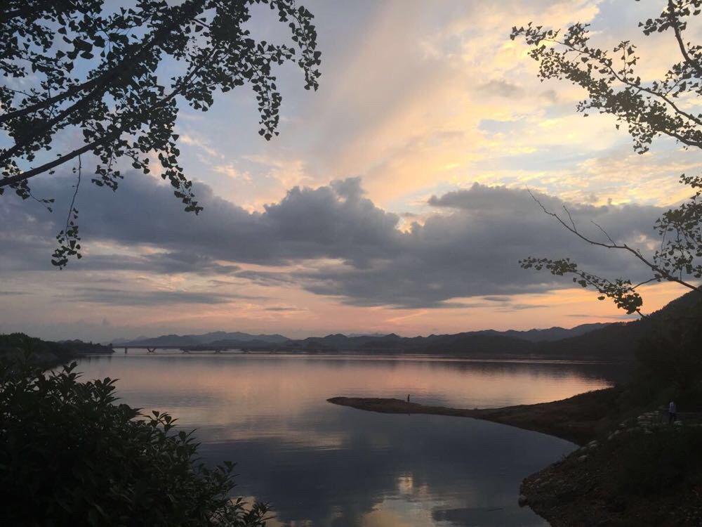 发现千岛湖真的是一座很干净的城市啊,空气也非常好勒[愉快]