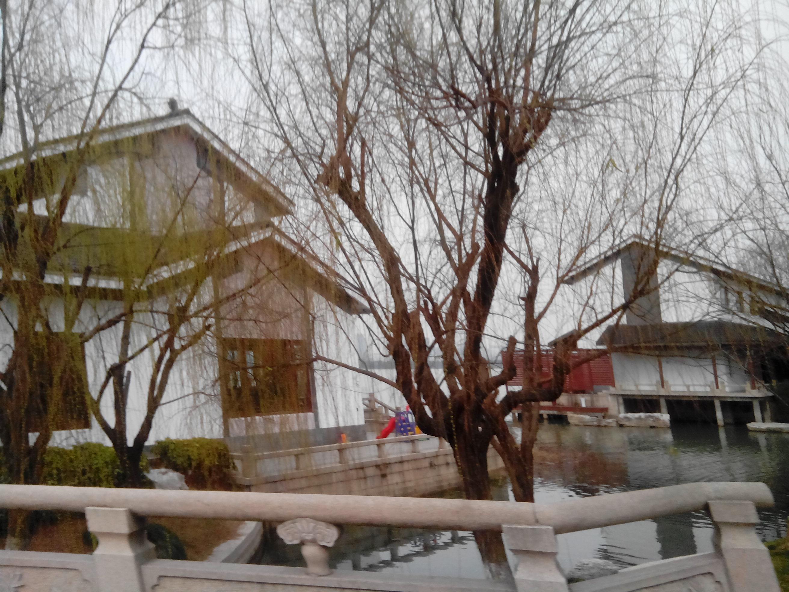 风情商业水街景点