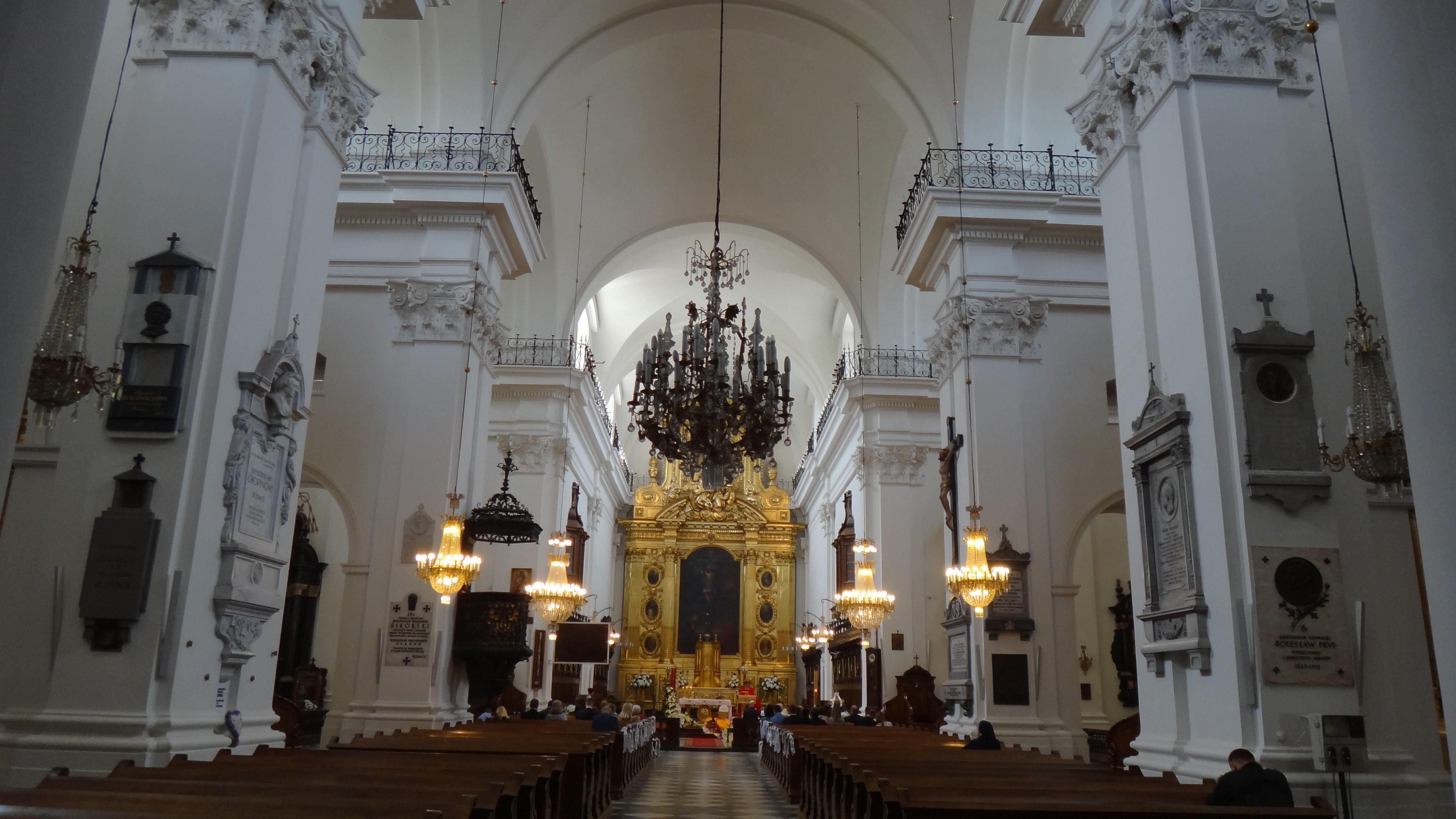 【携程攻略】波兰中郡华沙圣十字教堂好玩吗,华沙圣样